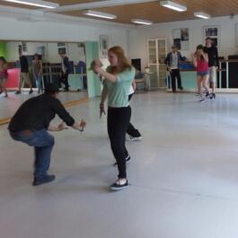 Tänzerinnen mit dem Regisseur