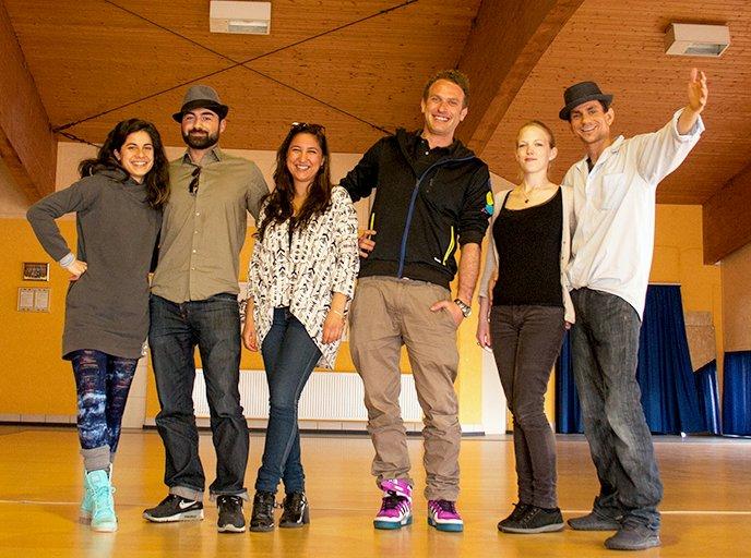 Gruppenfoto des Tänzer und Orgateams