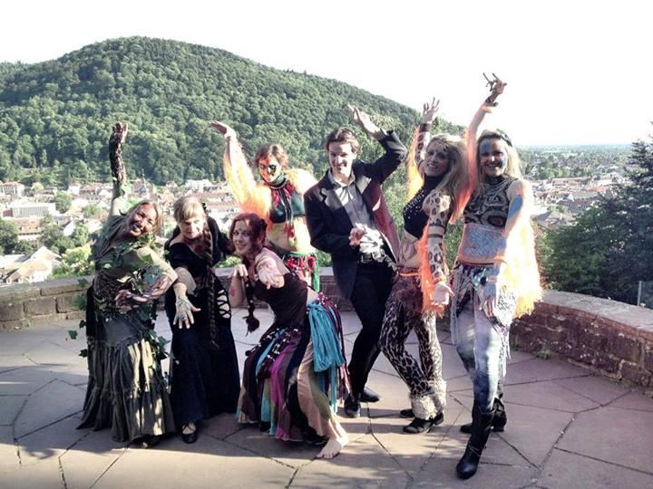 Gruppenfoto der Beteiligten dieser Szene